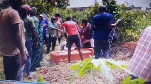 family members exhume corps of their father in Douala