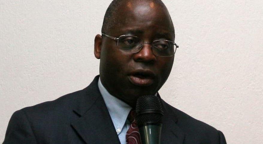 Dr. Simon Munzu