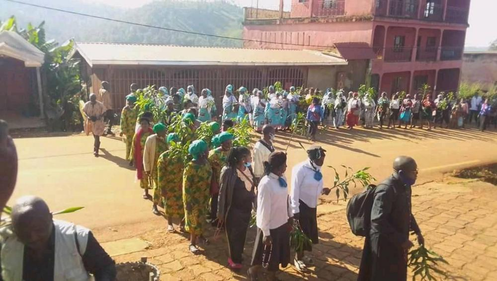 Hundreds of Christians in the Kumbo Diocese this October 20th, 2020 turned out at the Kumbo Cathedral to pray for the return of peace in Cameroon and their land in particular.