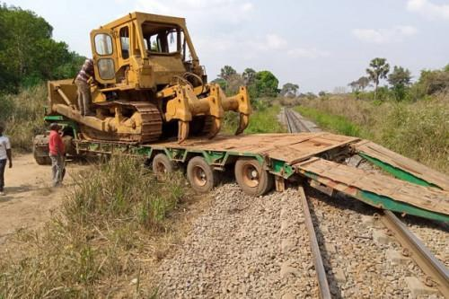 Incivility of residents along rails-cameroon