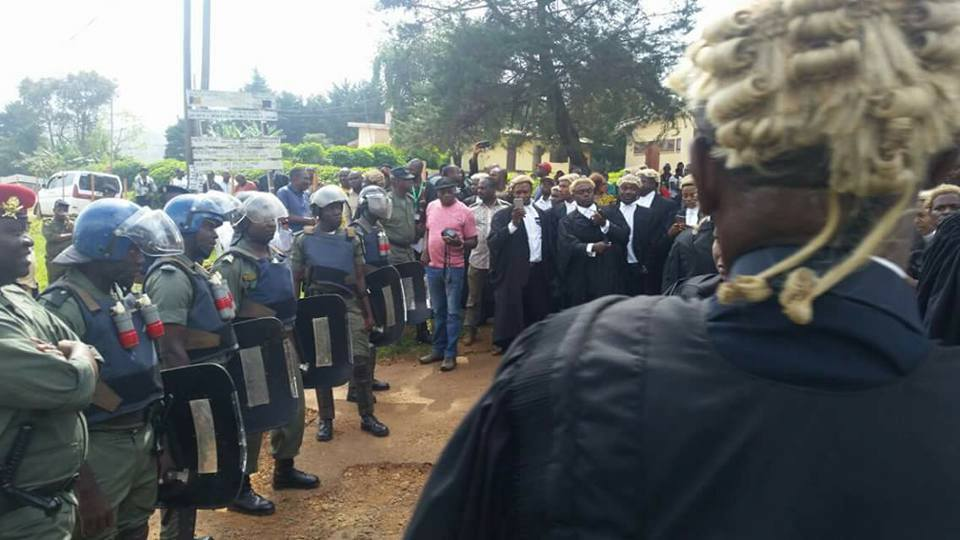 soliders confronting lawyers